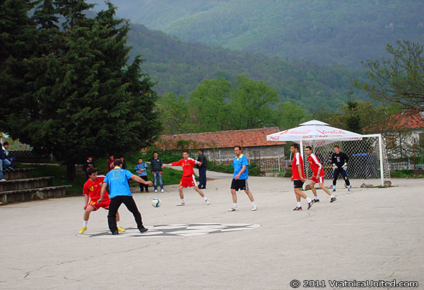 Battle for the champions title at 'VRATNICA 2011' tournament