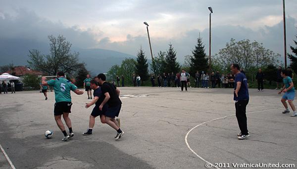Scene from one the first games at 'VRATNICA 2011' tournament: Rogachevo vs Glodji
